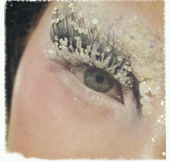 Snow Queen eye look
