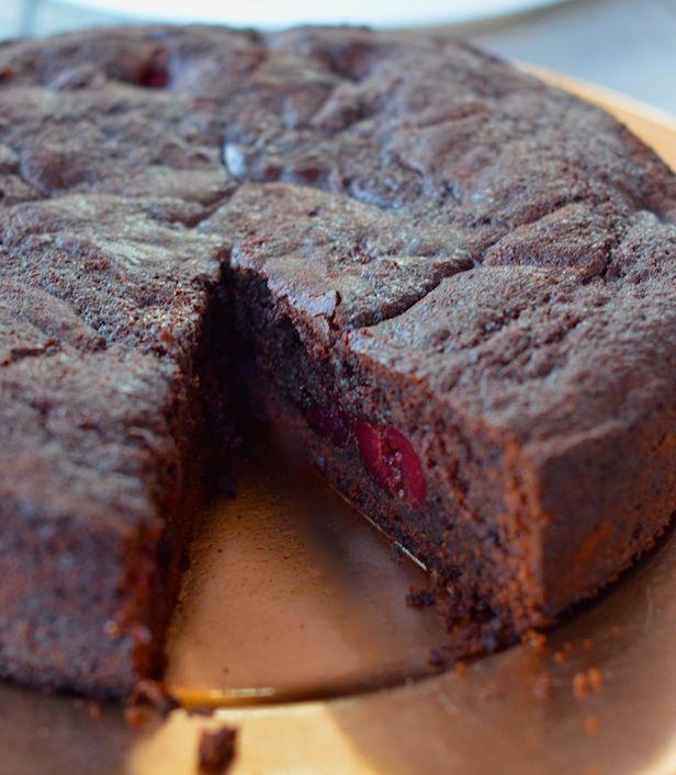 Bezglutenowy tort czekoladowo – wiśniowy