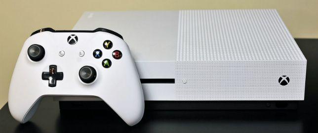 Игровая консоль нового поколения #Xbox One S поступила в продажу в августе этого года и за столь короткое время приставка обзавелась своей аудиторией фанатов, поэтому с обновлением или выходом новой игры разработчики просто обязаны добавить поддержку HDR и 4K.