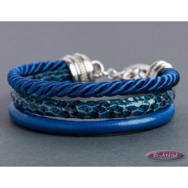 Niebieska bransoletka rzemyk (BA2313)