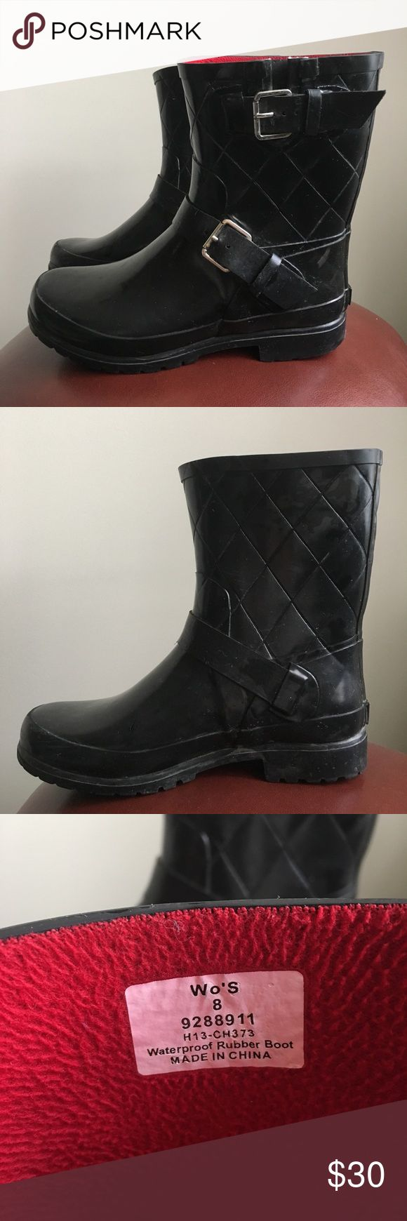🎉SALE🎉 Sperry Waterproof Short Falcon Rainboots Super stylish! Good condition, but some cracks in the rubber along the outside (Not visible while wearing - only when you pull the rubber apart). Black with red lining on the inside, size 8. Feel free to make an offer! Sperry Top-Sider Shoes Winter & Rain Boots