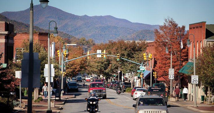 Why We Love Waynesville, North Carolina
