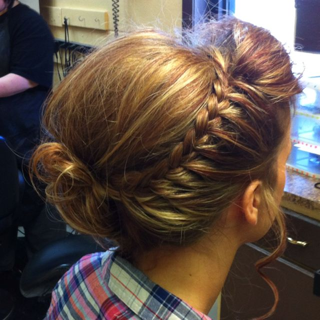 .: French Braids, Wedding Hair, Bridesmaid Hair, Messy Buns, Hairstyle, Lace Braids, Hair Style, Side Braids, Braids Buns