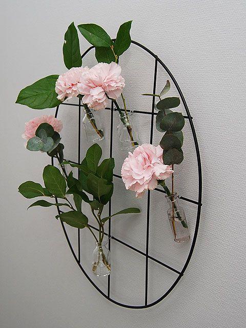 DIY- Juhlasomiste seinälle - Flower backdrop - Pompom.fi • Juhlat on katettu