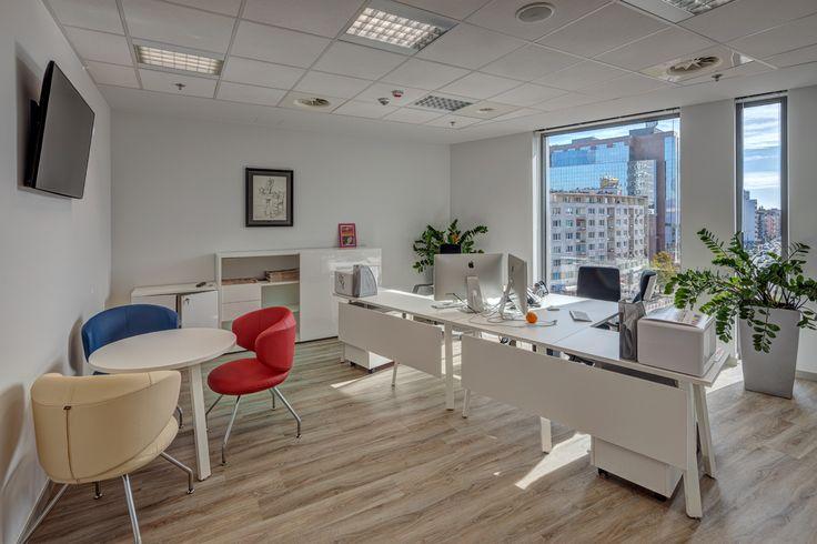 Salon iSpot Apple Premium Reseller w warszawskiej galerii Plac Unii - jedna z naszych realizacji z 2015 r.