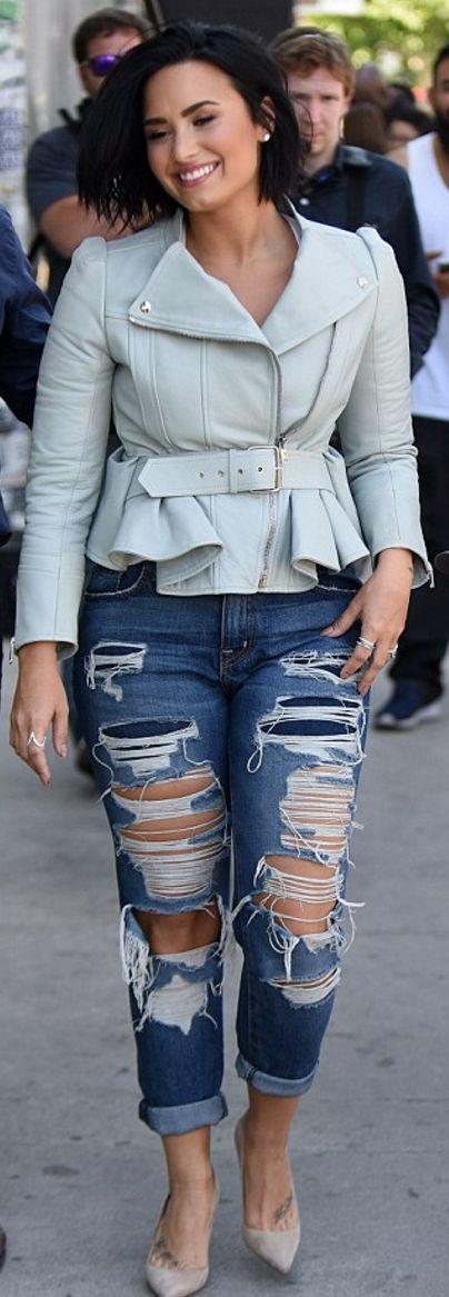 Demi Lovato: JAcket – Alexander McQueen  Jeans – Current/Elliott