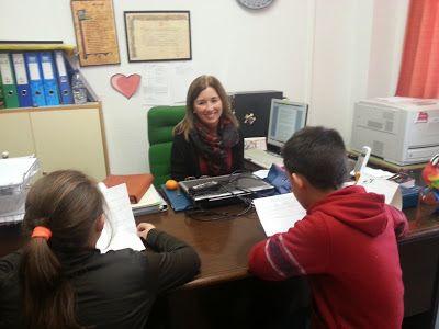 Nuestra directora, Carmen Lázaro, es también la Coordinadora del Club de Lectura que este curso se ha puesto en marcha, con gran éxito de asistentes.