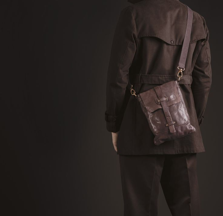 Timeless Collection | Leather shoulder bag for man | Cocoa brown