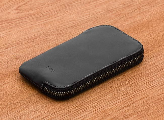 1 bellroy wdpb black texture bellroywebsite 01