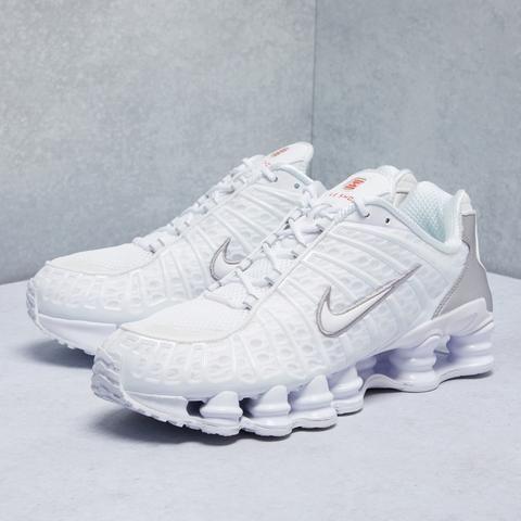 trabajo para ver Remisión  Nike Shoes in Dubai, UAE   Buy Sneakers, Slides Online   Dropkick   Nike  shox, Nike, Buy sneakers