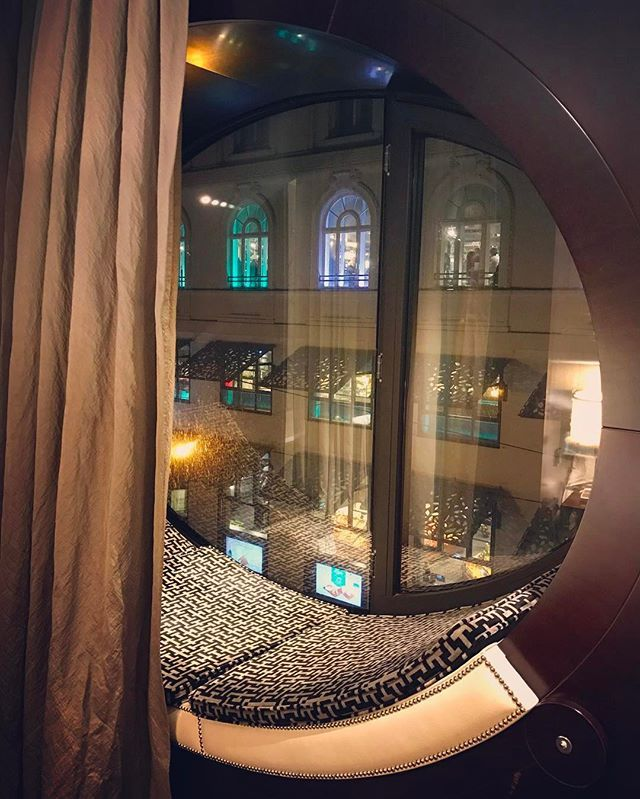 """This weekend Vienna is ON! We just love this elegant, so stylish City..... a room with """"the"""" view for this weekend. Hmmmm not bad 😍#travel #wanderlust #travelling #traveller #travelgram #style #harmony #sexy #lights #vienna #wien #elegance #luxury #lifes"""