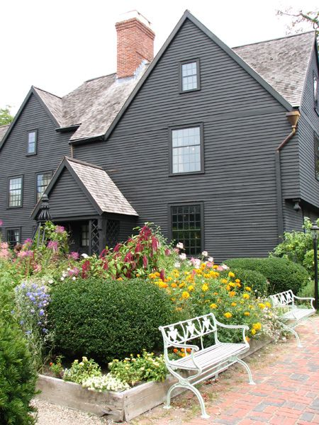 Best 10+ Grey exterior paints ideas on Pinterest | Home exterior ...