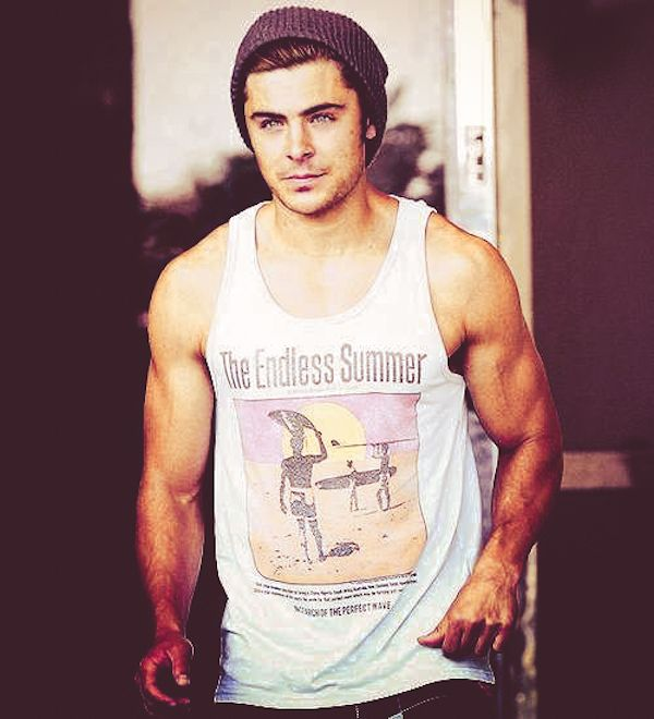 The 25 Absolute Best Pictures Of Zac Efron On The Internet   BuzzFeed Mobile