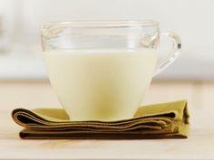 Helle Soße ist ein Rezept mit frischen Zutaten aus der Kategorie Klassische Sauce. Probieren Sie dieses und weitere Rezepte von EAT SMARTER!