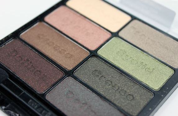 Wet n Wild eyeshadow palette in Comfort Zone. I have all the other palettes too, but this is the one that I use the most. It's gorgeous and cheap and if it was the only eyeshadow palette in my collection, I'd be ok.