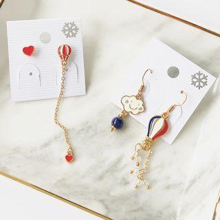 Mimishi - Asymmetric Fire Balloon Earrings