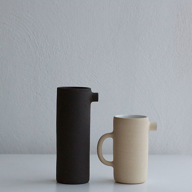 For now I will be making only these two types of Seagull Jugs. The black jug is more decorative, but can be used as a flower vase 🌾 the white jug can be used on a daily basis ☕ #simple #ceramics #vscocam #pottery #nordic #kiraniceramics #handmade #handcrafted #craft #vsco #notperfect #folk #liveauthentic #aesthetics #shape #design #maker #potter #livefolk #scandinavian #studio #makersgonnamake #artisan #slowliving #coffee #jug #rustic #tea #white #black