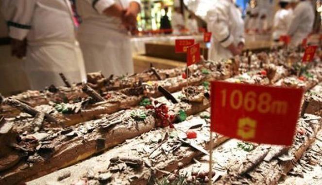 Ini Kue Natal Terpanjang Dunia Yang Memecahkan Rekor Pada Tahun 2011  #Food #Kuliner