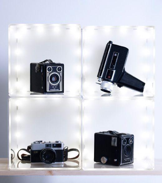 Old camera that was displayed on the SYNAS / Su~inasu LED lighting box