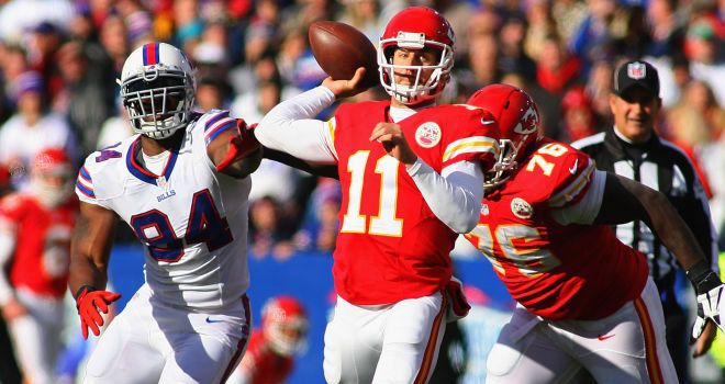 NFL: Alex Smith signs new contract with Kansas City Chiefs