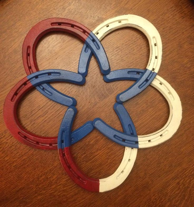 Horseshoe wreath- red, white, and blue decoration. So cute.