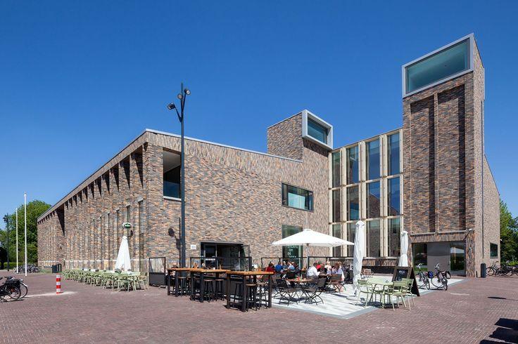 In Hoogkarspel in de gemeente Drechterland is een nieuw duurzaamgemeentehuis gekomen dat onderdeel uitmaakt van het stedenbouwkundig plan voor het nieuwe dorpshart. Het gebouw is ontworpen door De…