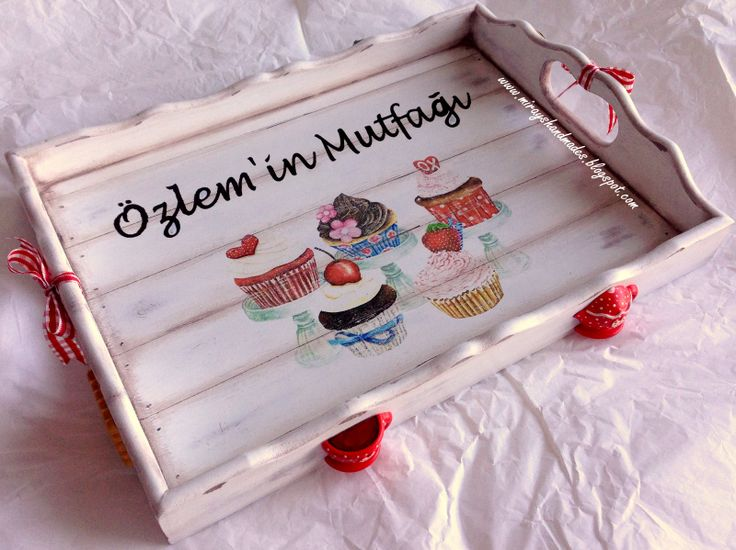 CUPCAKE TRAY - Hand Paint (This is Originally made by Mirayshandmades - Miray Yildizli Taskiran From Turkey) mirayshandmades@gmail.com