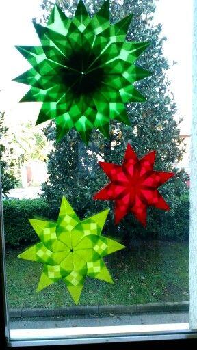 Stelle origami fatte con carta velina