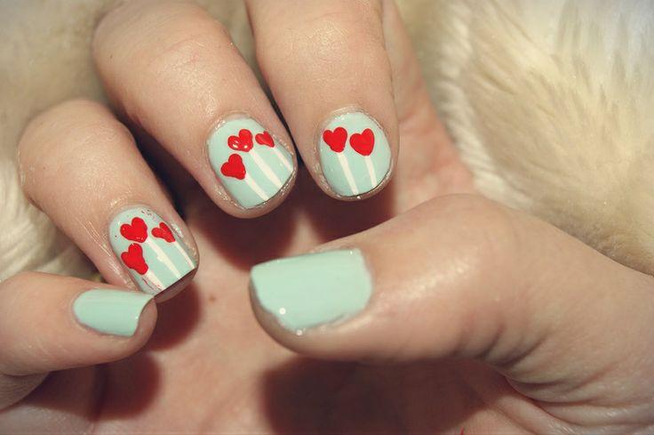 Heart balloon nail art by me :) Cassandra Berg #nailart #naildesign #nails #nailpolish #negler #negledesign #neglelakk