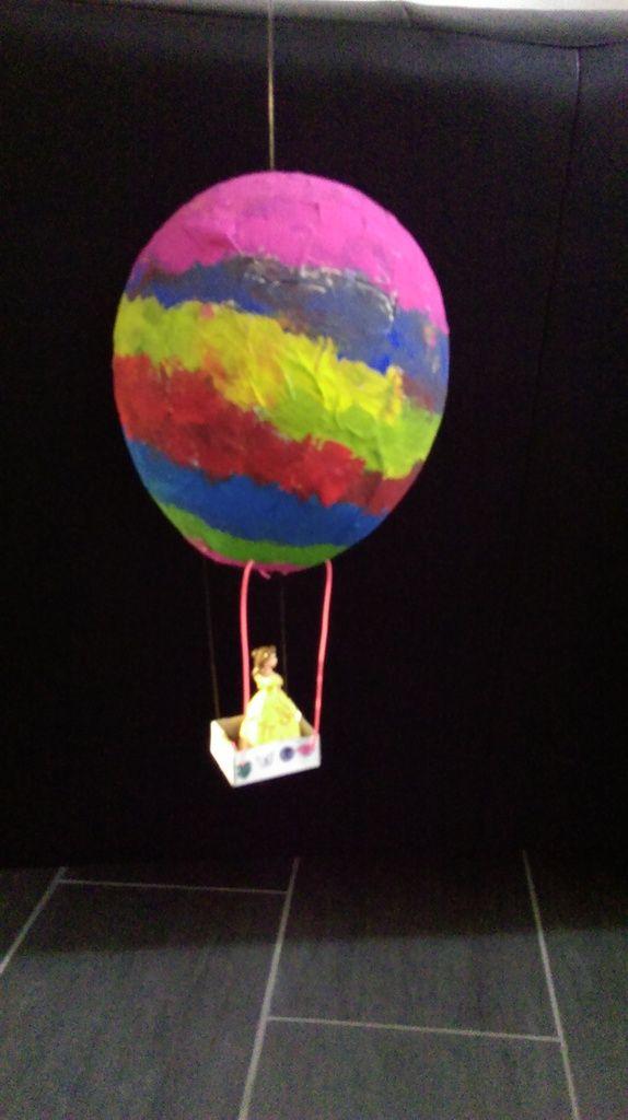 17 meilleures id es propos de montgolfi res sur pinterest champs de lavande champs de - Montgolfiere en papier ...
