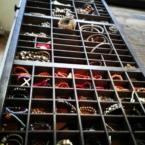 Ouderwetse letterbak voor mijn sieraden... past precies op mijn dressoir in de slaapkamer!