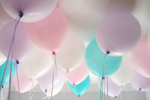 Des superbes ballons pastel pour décorer les salles d'anniversaires, de baptêmes ou de baby-showers