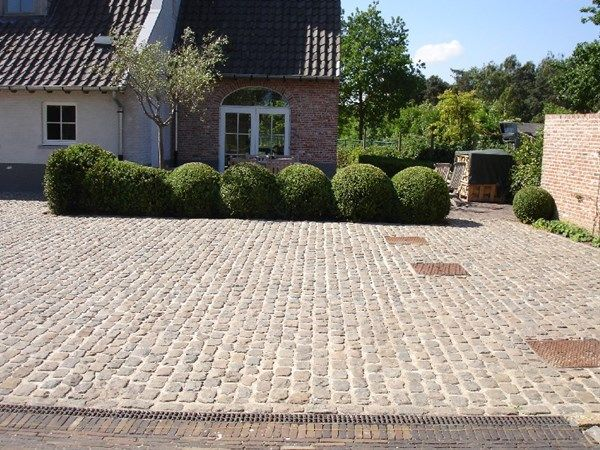 Projecten - Werf te Lovendegem: De Clercq Pieter – terrassen, opritten, tuinaanleg, Oost-Vlaanderen, West-Vlaanderen, Antwerpen, Vlaams-Brabant, Vlaanderen