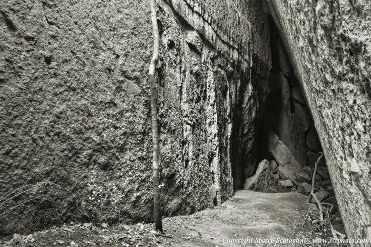Scopri la Tuscia e la Maremma: Galleria alla Piramide Etrusca