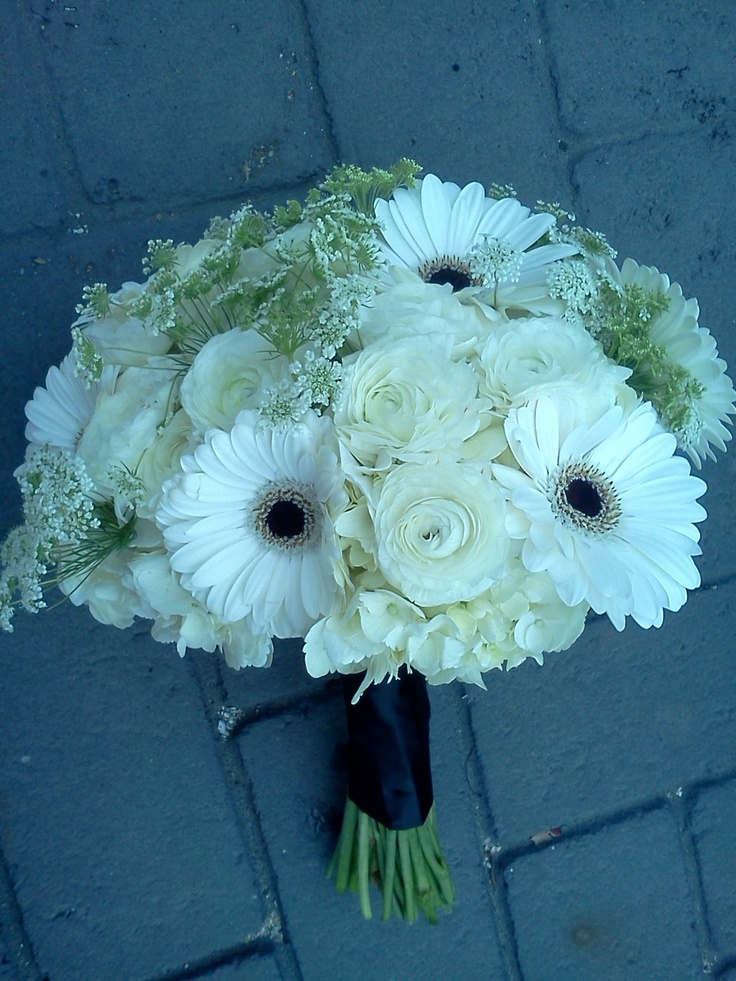 Gerbera Daisy Bouquet white ranunculus &...