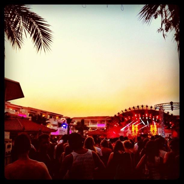 "@simonshenker's photo: ""Get ready for #avicii & #steveaoki @ #Ushuaia #Ibiza"""
