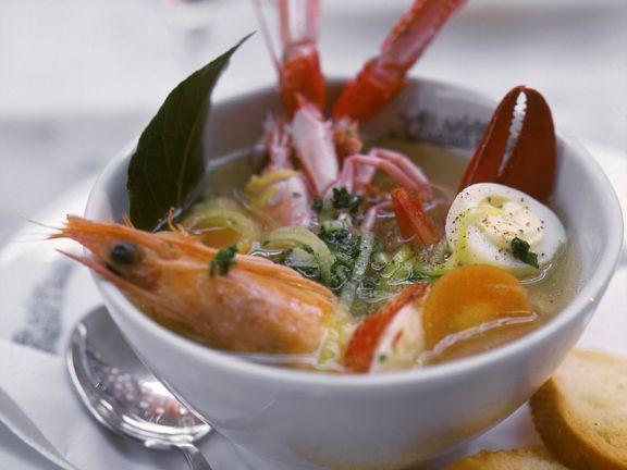 Meeresfrüchtesuppe ist ein Rezept mit frischen Zutaten aus der Kategorie Garnelen. Probieren Sie dieses und weitere Rezepte von EAT SMARTER!