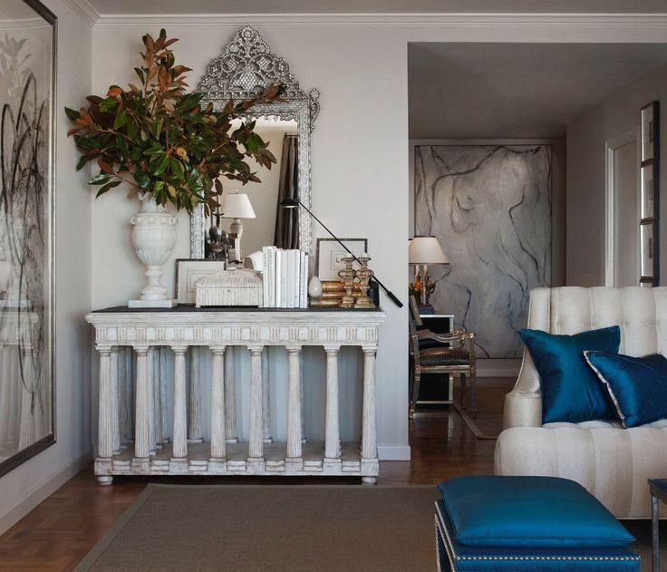 45 идей египетского стиля в интерьере: роскошь из глубины тысячелетий http://happymodern.ru/egipetskijj-stil-v-interere/ Даже незначительные элементы интерьера, такие как синие подушки и бордюр под потолком немного приближают вашу комнату к египетскому стилю