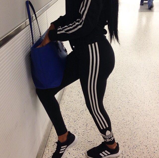 Resultado De Imagen Para Kylie Jenner Sporty Outfits   Adidas   Pinterest   Nuggwifee Adidas ...