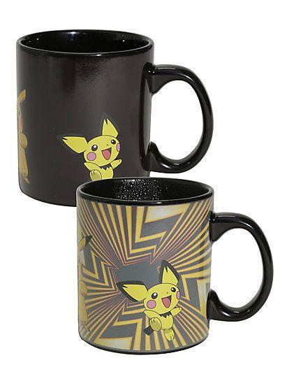 Pokémon Pikachu Evolutions Heat Change MugPokémon Pikachu Evolutions Heat Change Mug,