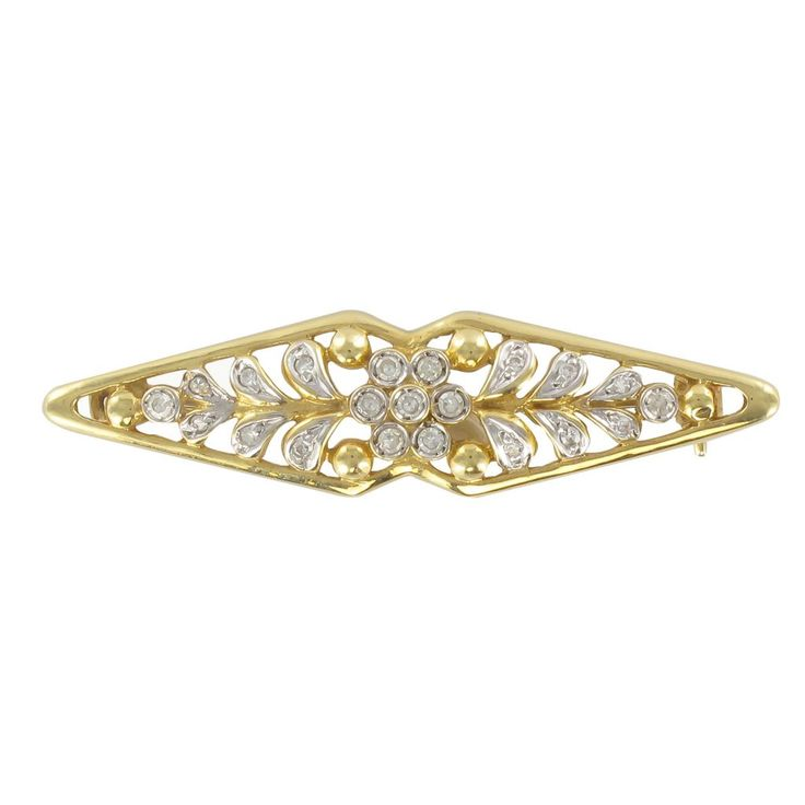 Broche en or jaune diamants motif floral. Cette broche peut être assortie aux boucles d'oreilles, à la bague ou au collier du même motif.   http://www.bijouxbaume.com/broche-en-or-jaune-diamants-motif-floral-a1876.html