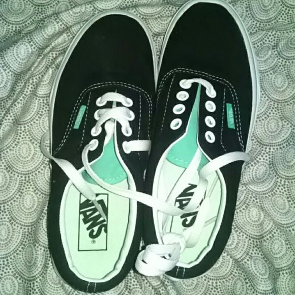 NWOT navy vans! Took the tags off but these just sat around in my closet. Need a good home! Vans Shoes