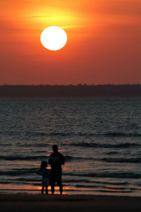 Sunset at Mindil Beach, Darwin - Best beaches in Australia to visit!