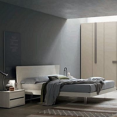 Contemporary, elegant 'Hollow' bed by Orme