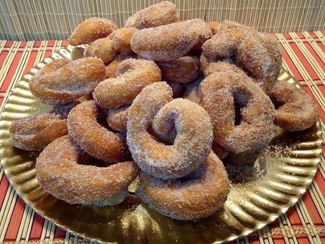 Rosquillas de Semana Santa, paso a paso. ¡Cómo nos gustan las recetas tradicionales!