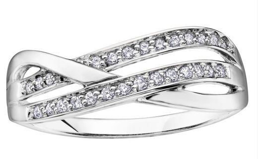 10k white gold with one white gold band featuring  diamonds.