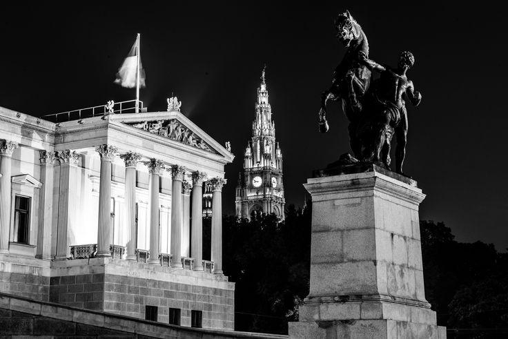 https://flic.kr/p/u1byPc | Bronze Statue Of Horse Tamer, Vienna, Austria