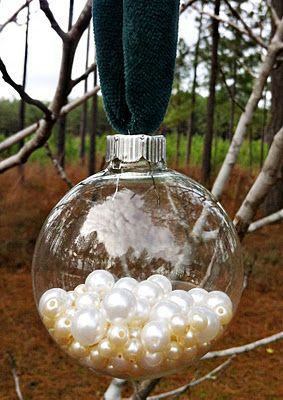 25 awesome ideas for filling and decorating clear glass ornament bulbs   how to decorate clear glass ornaments