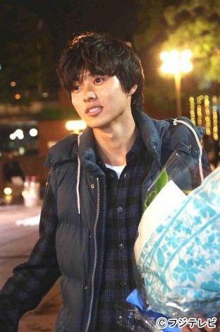 """Wrapped up!!! Kento Yamazaki, J drama """"Sukina hito ga iru koto (A girl & 3 sweethearts)"""", Sep/12/2016"""