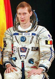 April 25 – Belgian astronaut Frank De Winne